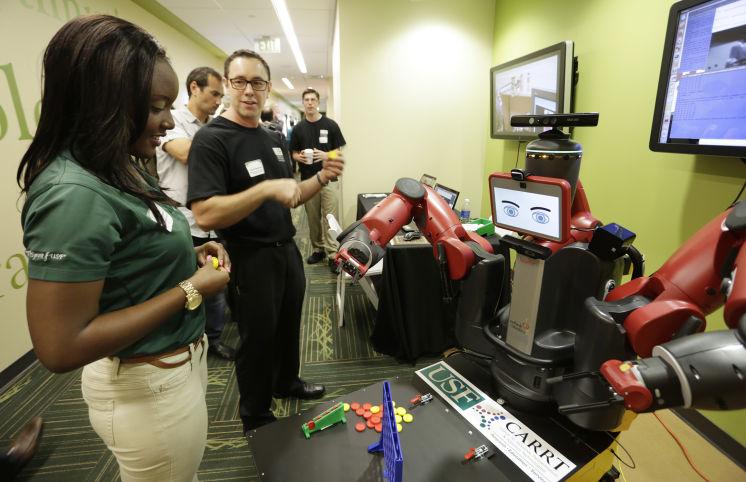 Mahasiswa Engineering USF dalam kompetisi teknologi di TampaBay. Sumberfoto: TampaBayNews
