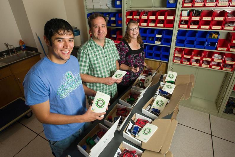 Mahasiswa Colorado dengan proyek EcoCAR 2. Sumber foto: ColostateNews