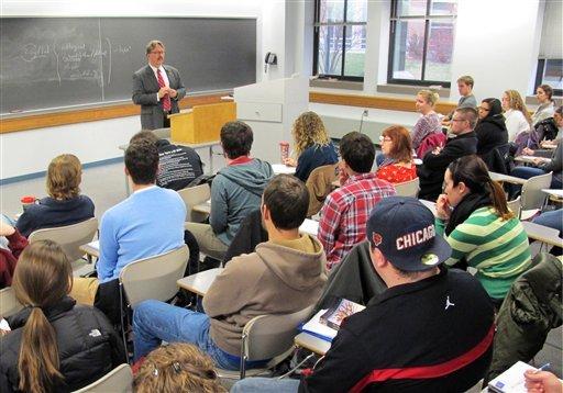 Belajar di kelas. Sumber foto: MDJOnline