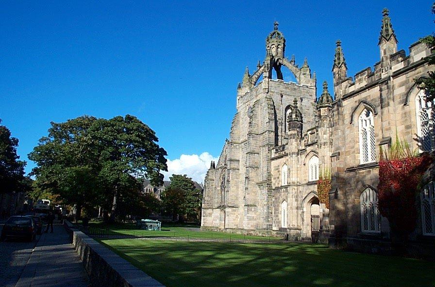 Universitas Aberdeen. Sumber foto: Wikipedia