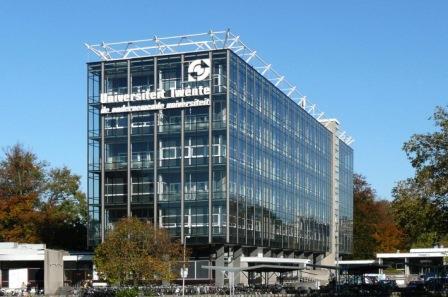 Kampus Twente: http://www.vexpan.nl/nieuws/gastdocenten-gezocht-voor-de-universiteit-twente/