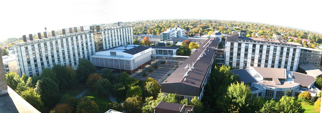 Figure 3. Kampus UC dari Central Library. Sumber foto: Wikipedia