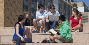 Figure 3. Kuliah di luar negeri membutuhkan penyesuaian. Sumber foto: StudentLifeLearning