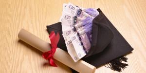 Figured 2. Pembayaran biaya kuliah. Sumber: www.huffingtonpost.co.uk